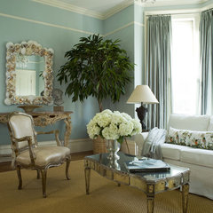 traditional family room by Jona Collins, CID