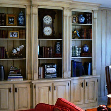 Traditional Family Room by Kbwalls