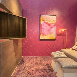 ニューヨークのコンテンポラリースタイルのおしゃれなファミリールーム (ピンクの壁、ピンクの床) の写真