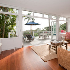 Beach Style Family Room by Annabelle Chapman Architect Pty Ltd