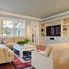 traditional family room by FGY Architects