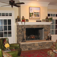 family room by Pamela Foster & Associates, Inc.