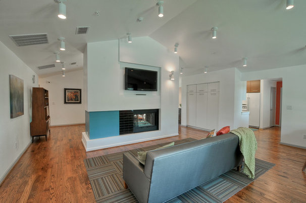 Modern Family Room by PBH Construction