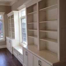 Traditional Family Room by Terhaar Builders LLC.