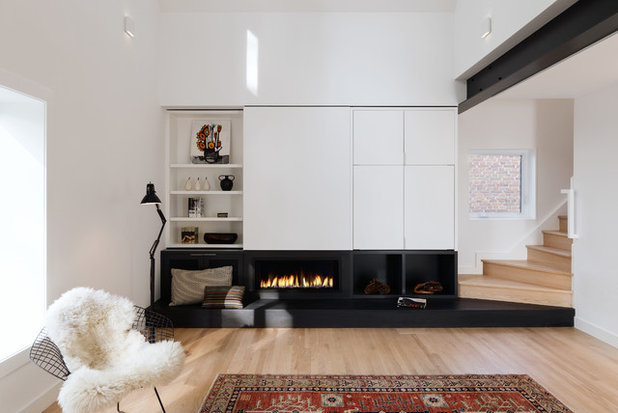 Scandinavian Family Room by post Architecture