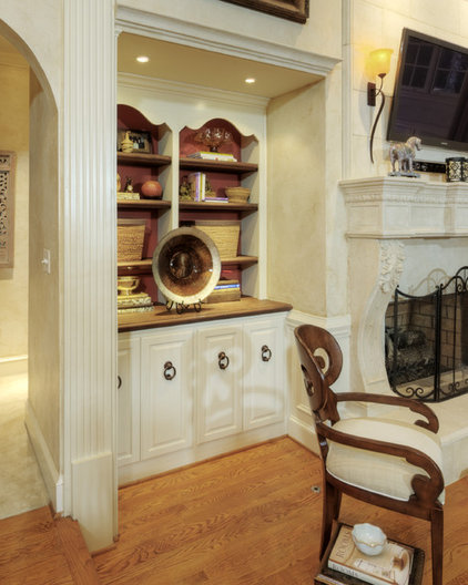 Traditional Family Room by PCL Interiors