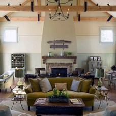 Rustic Family Room by SMOOK Architecture & Urban Design, Inc.