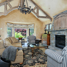 Traditional Family Room by Conrado - Home Builders