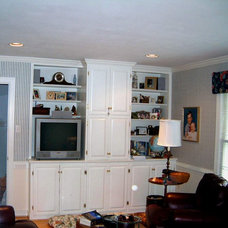 Family Room by Stony Point Construction Co., Inc