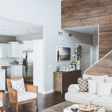 Beach Style Family Room by de[luxe] design studio