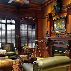Traditional Family Room by mark pinkerton  - vi360 photography