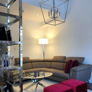 Inspiration pour une salle de séjour design de taille moyenne et ouverte avec un mur blanc, un sol en bois foncé, une cheminée d'angle, télé d'angle et un sol marron.