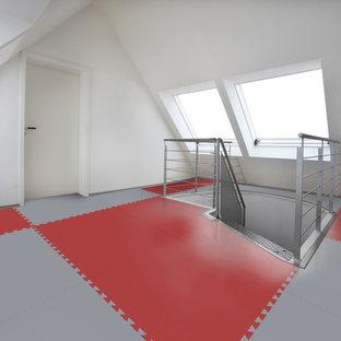 Ispirazione per un soggiorno minimalista chiuso e di medie dimensioni con nessun camino, pareti bianche e nessuna TV