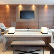 Modern Family Room by Robert Bailey Interiors