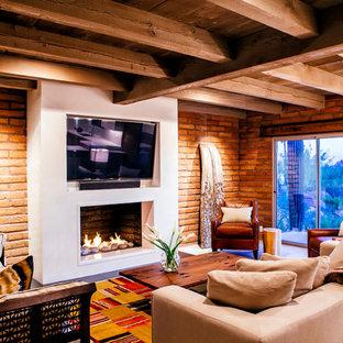 フェニックスのサンタフェスタイルのおしゃれなファミリールームの写真