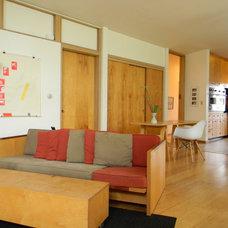 Midcentury Family Room by Kimberley Bryan