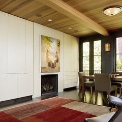 modern family room by Charlie Barnett Associates
