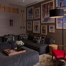 Rustic Family Room by Salinas Lasheras