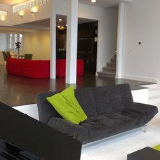 Contemporary Family Room by Metropolitan Construction LLC