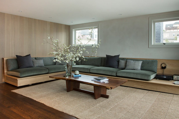 Family Room by Margot Hartford Photography