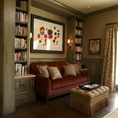 traditional family room by Tres McKinney Design