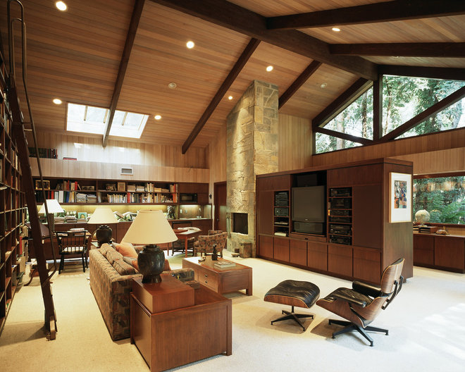 Contemporary Family Room by Ron Yeo, FAIA Architect
