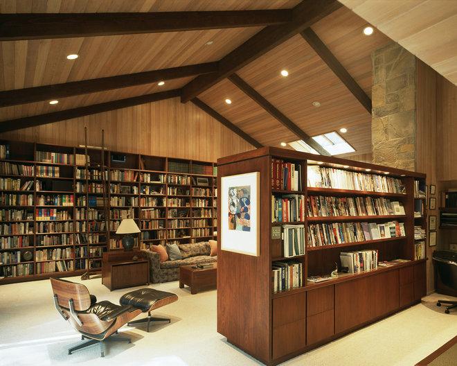 Contemporary Family Room by Ron Yeo, FAIA Architect
