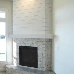 San Savino - Family Room with Corner Fireplace