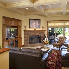 Traditional Family Room by Conrado - Home Builders