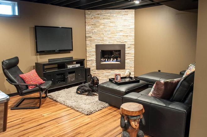 Traditional Family Room by DEICHMAN CONSTRUCTION