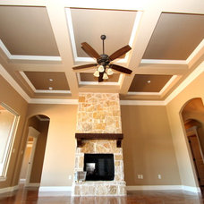 Family Room by Couto Homes