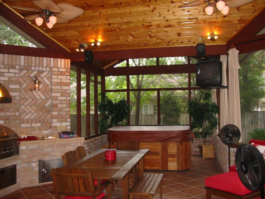 SCREENED OUTDOOR FAMILY ROOM ADDITION