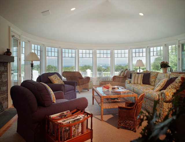 Traditional Family Room by Burgin Lambert Architects
