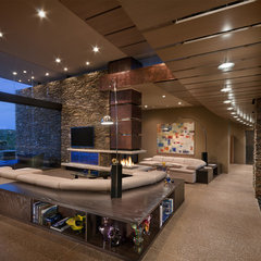modern family room by Tate Studio Architects