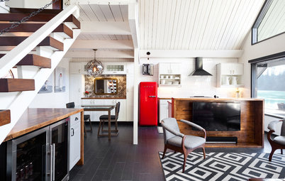 Room of the Day: Floating Home Looks to the Water