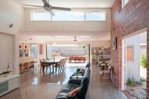 Modern Family Room by Positive Footprints Pty Ltd