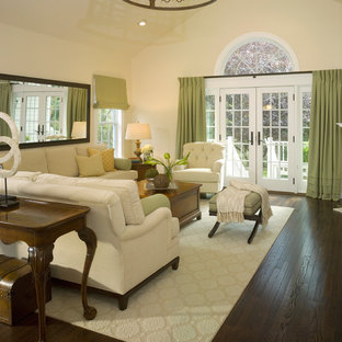 Sophisticated and Peaceful Family Room