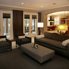Family Room by Devonshire Custom Homes