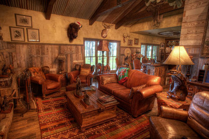 Rustic Family Room by Maison et Jardin LLC