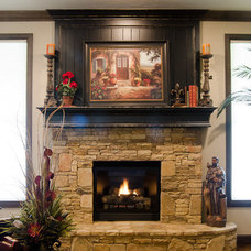Craftsman Family Room by Muirfield Homes by Alan Cheshier