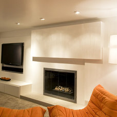 Modern Family Room by White Space Architecture