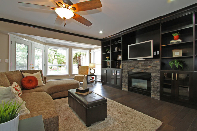 Modern Family Room by KASHMIR DHALIWAL FINE REDESIGN.