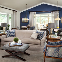 traditional family room by StarrMiller Interior Design, Inc.