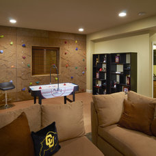Modern Family Room by TRIO Environments