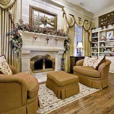 Family Room by Celtic Custom Homes