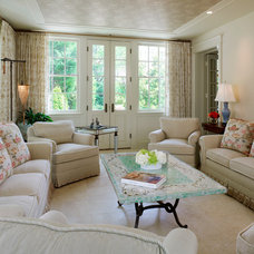 Traditional Family Room by Barnes Vanze Architects, Inc