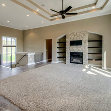 Traditional Family Room by Homes by DePhillips