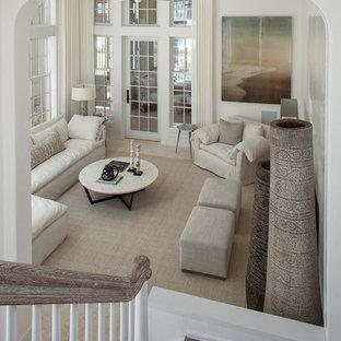 Foto di un soggiorno classico di medie dimensioni e chiuso con pareti bianche, moquette, nessun camino, nessuna TV e pavimento beige