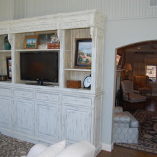 Traditional Family Room by Rose Hall Kitchen Galleria