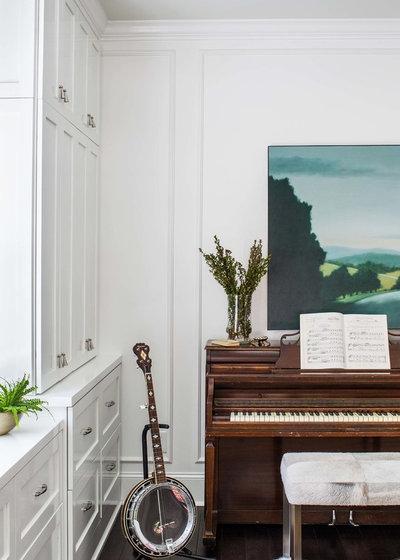 Современная классика Семейная комната by Terracotta Design Build